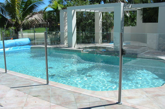 China BS6206 Standard Pool Fencing Glass With Polished Edges No Holes supplier