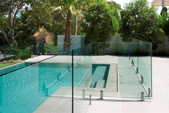 China AS2208 Standard Swimming Pool Glass Fencing , Glass Panel Garden Fencing Safety supplier